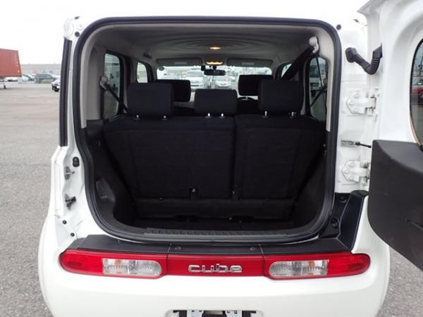 Nissan Cube 2017 белый багажник