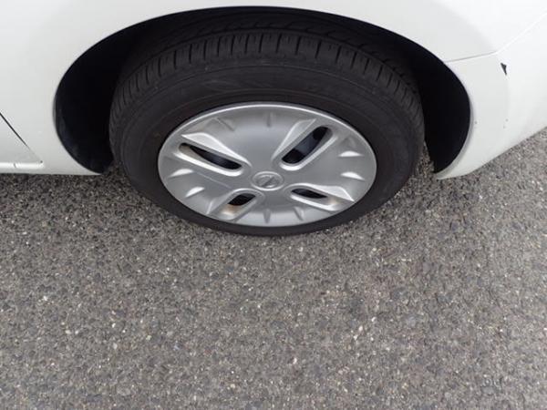 Nissan Cube 2017 белый колесо