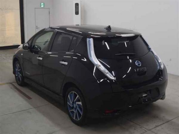 Nissan Leaf 2014 чёрный вид сзади