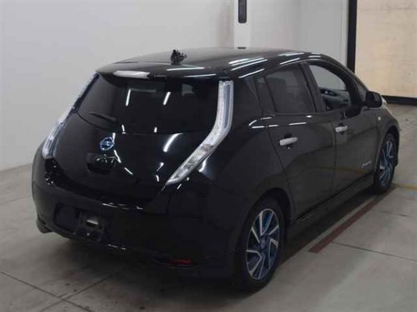 Nissan Leaf 2014 чёрный сзади