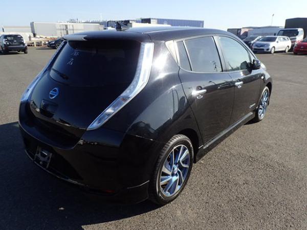 Nissan Leaf 2014 чёрный бок
