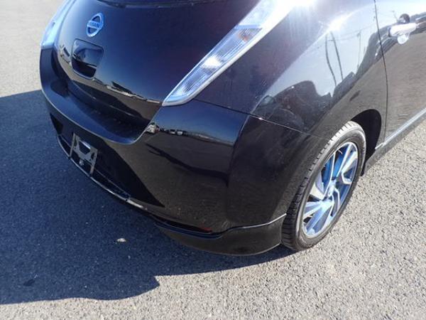 Nissan Leaf 2014 чёрный задний бампер