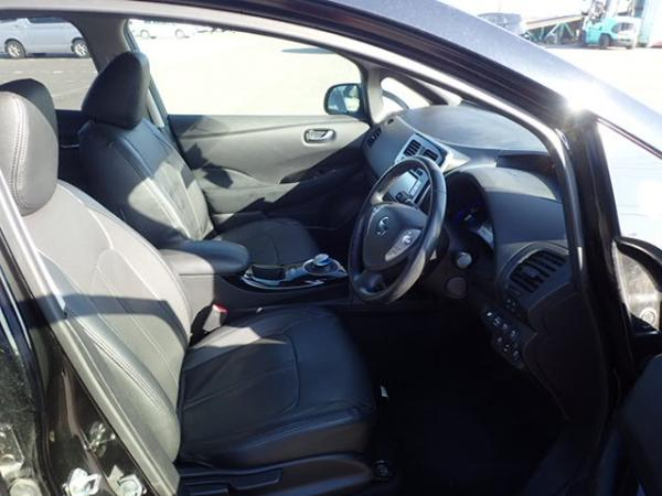 Nissan Leaf 2014 чёрный салон