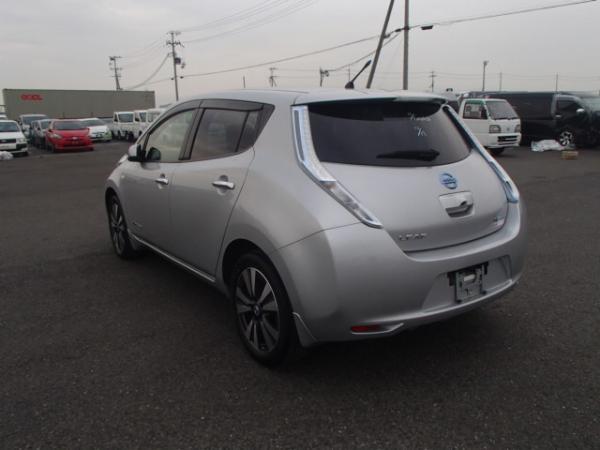 Nissan Leaf 2013 серый вид сзади