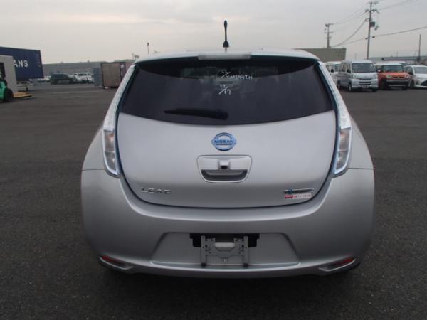 Nissan Leaf 2013 серый сзади