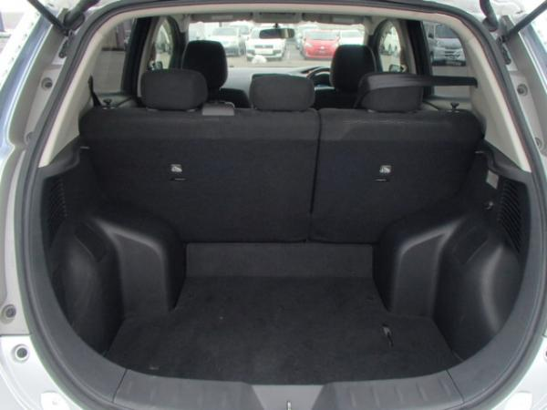 Nissan Leaf 2013 серый багажник