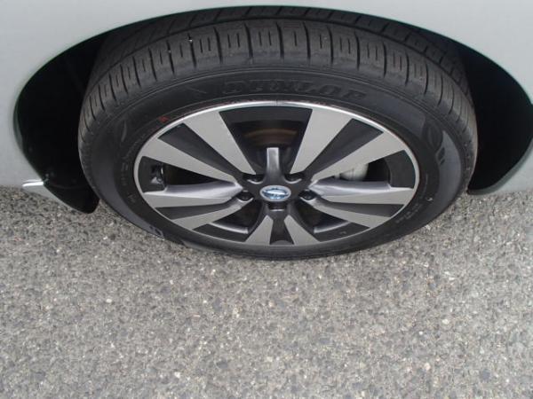 Nissan Leaf 2013 серый колесо
