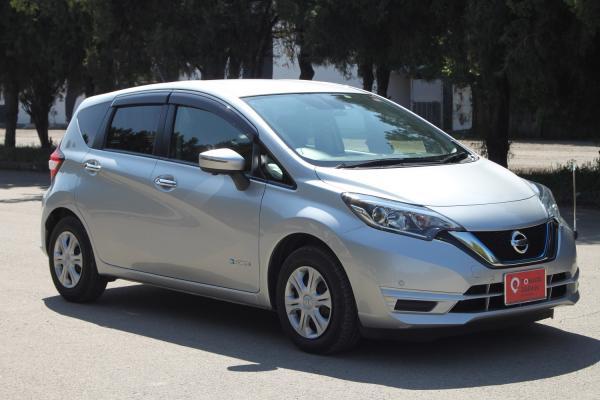 Nissan Note  серый