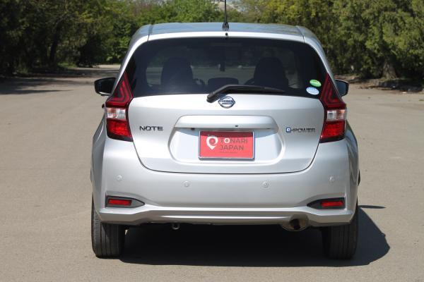 Nissan Note II Рестайлинг серый сзади