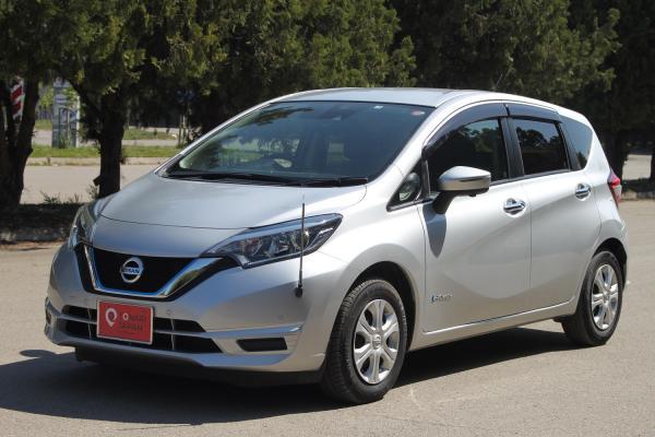 Nissan Note 2017 серый