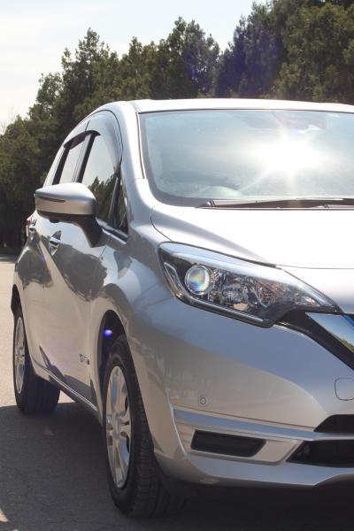 Nissan Note II Рестайлинг серый фара