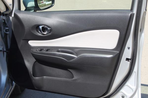 Nissan Note II Рестайлинг серый дверь