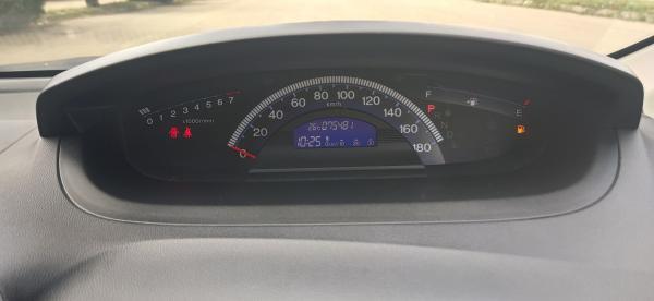 Honda Freed I Рестайлинг спидометр