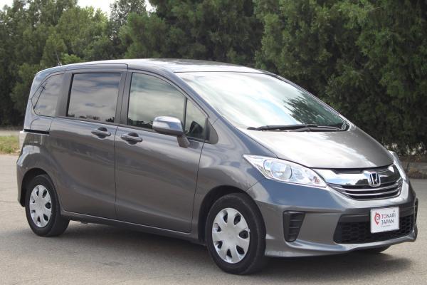 Honda Freed серый