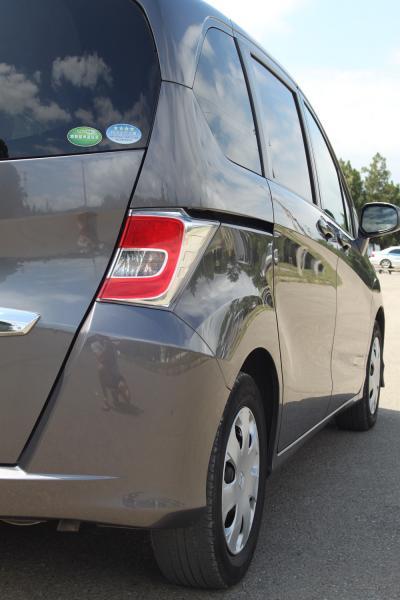 Honda Freed 2015 серый задняя фара