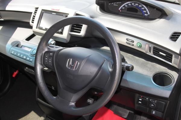 Honda Freed I Рестайлинг интерер