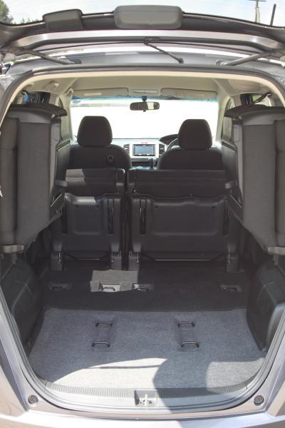 Honda Freed I Рестайлинг багажник