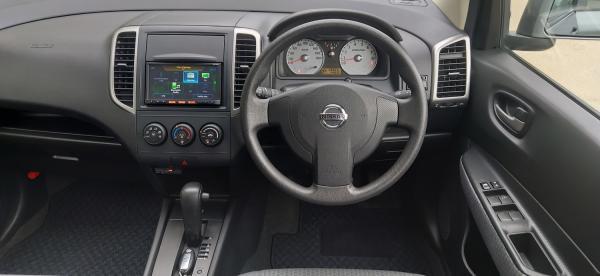 Nissan Wingroad III Рестайлинг салон