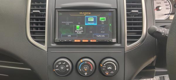 Nissan Wingroad III Рестайлинг 2017 приборы