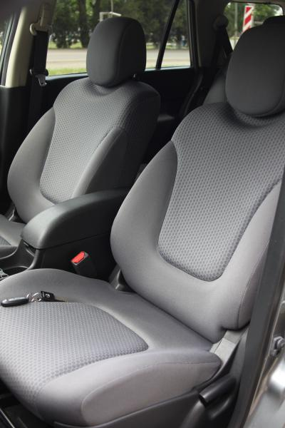 Nissan Wingroad III 2017 сидение