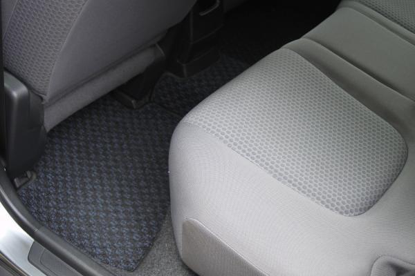 Nissan Wingroad III коврик