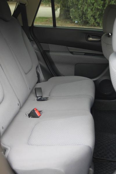 Nissan Wingroad III Рестайлинг 2017 сидения
