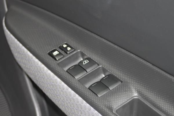 Nissan Wingroad III Рестайлинг 2017 переключатели