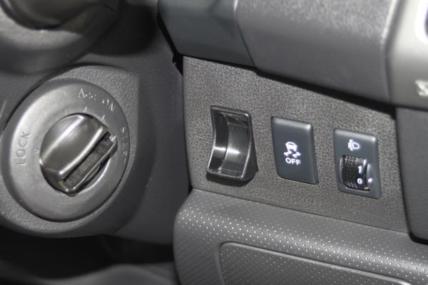 Nissan Wingroad III Рестайлинг 2017 кнопки