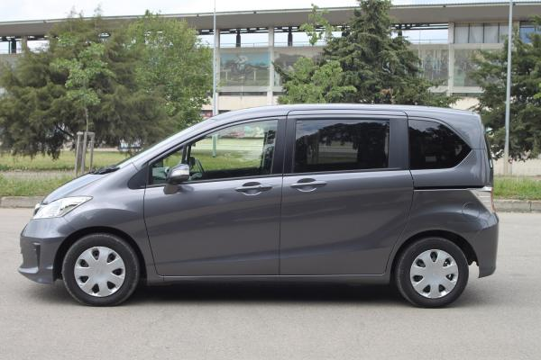 Honda Freed 2015 серый бок