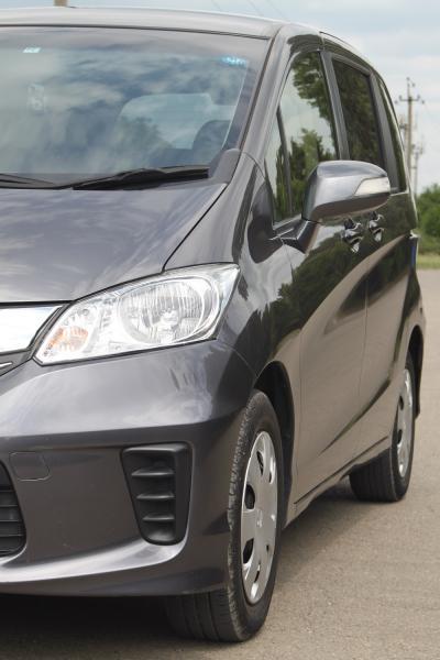 Honda Freed 2015 серый передняя фара