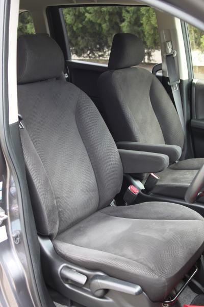 Honda Freed I Рестайлинг передние сидения