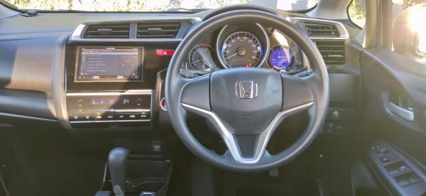Honda Fit III Рестайлинг внутри
