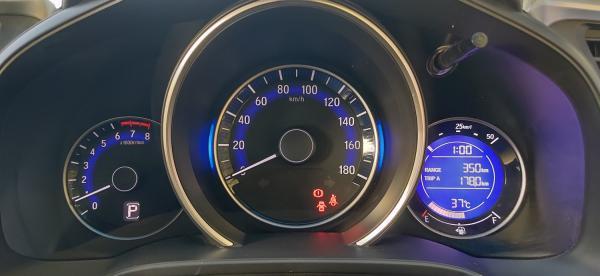 Honda Fit III Рестайлинг спидометр