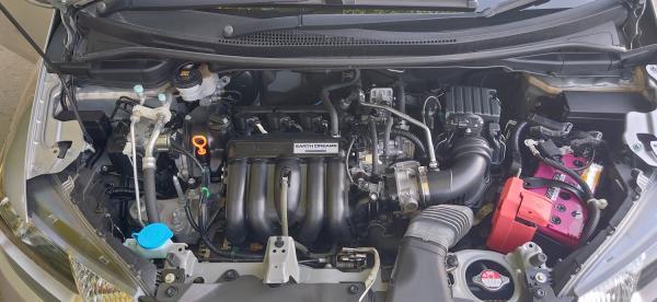 Honda Fit III Рестайлинг серый двигатель