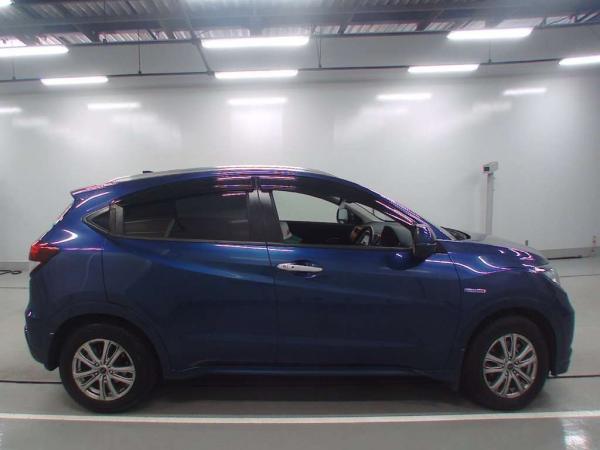 Honda Vezel 2015 синий сбоку