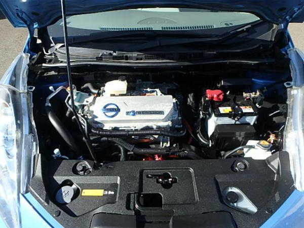 Nissan Leaf 2012 синий двигатель