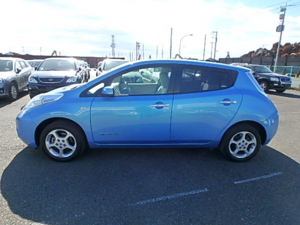 Nissan Leaf 2012 синий сбоку