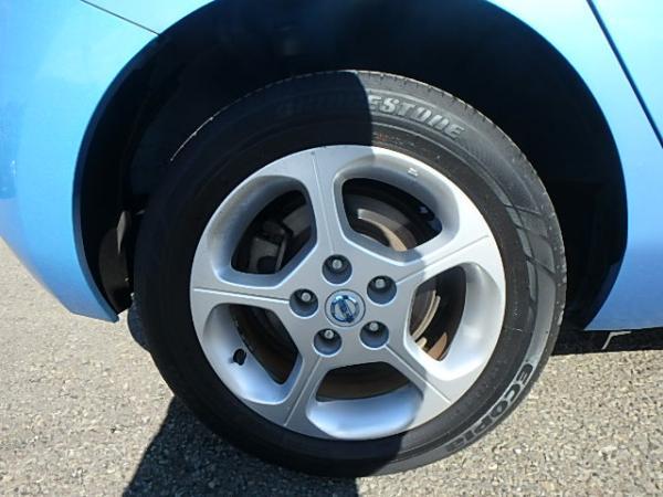 Nissan Leaf 2012 синий заднее колесо