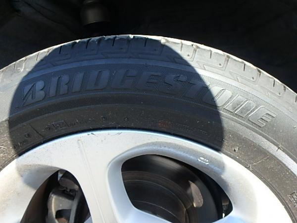 Nissan Leaf 2012 колесо