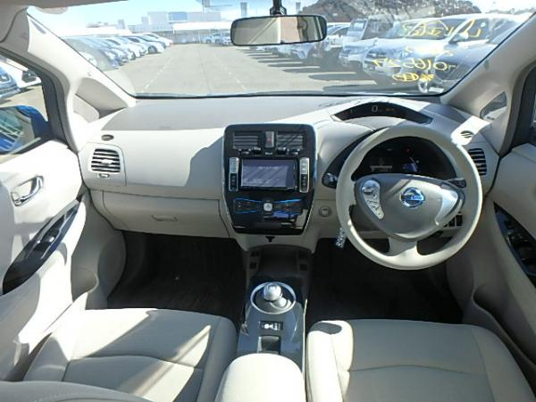 Nissan Leaf 2012 салон