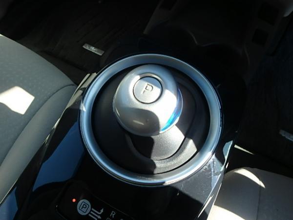 Nissan Leaf 2012 коробка передач