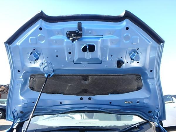 Nissan Leaf 2012 синий капот