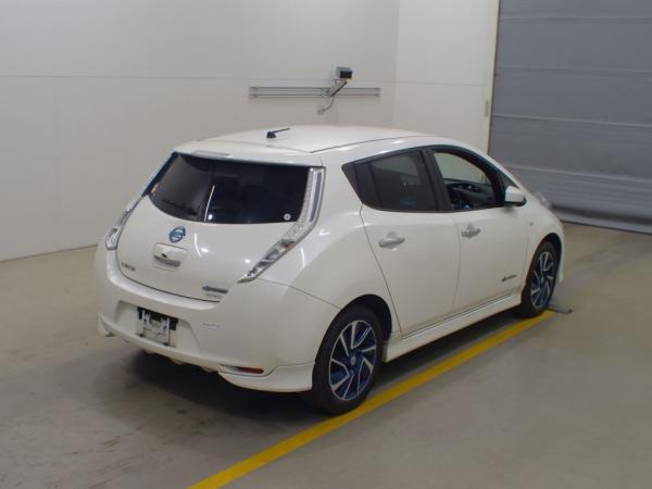 Nissan Leaf I 2016 белый сзади