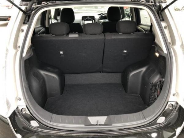 Nissan Leaf I 2016 багажник