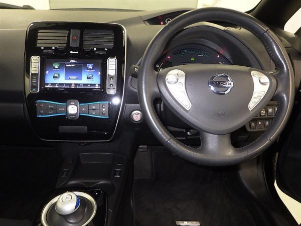 Nissan Leaf I 2016 руль