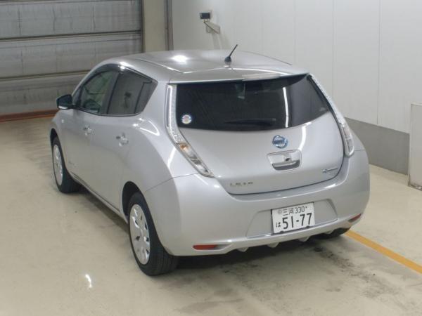 Nissan Leaf I 2016 серебристый сзади