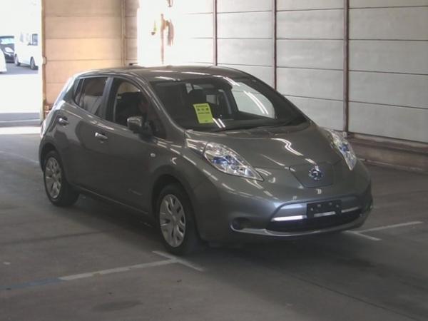 Nissan Leaf I 2016 серый спереди