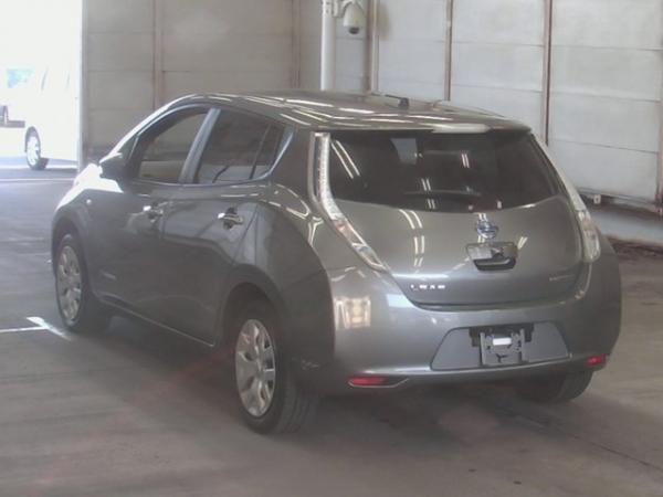 Nissan Leaf I 2016 серый сзади