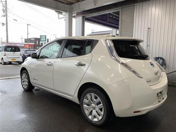 Nissan Leaf I 2016 белый сбоку