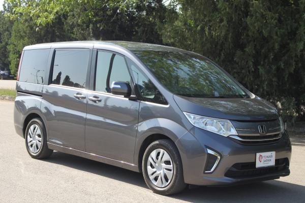 Honda Stepwgn V серый
